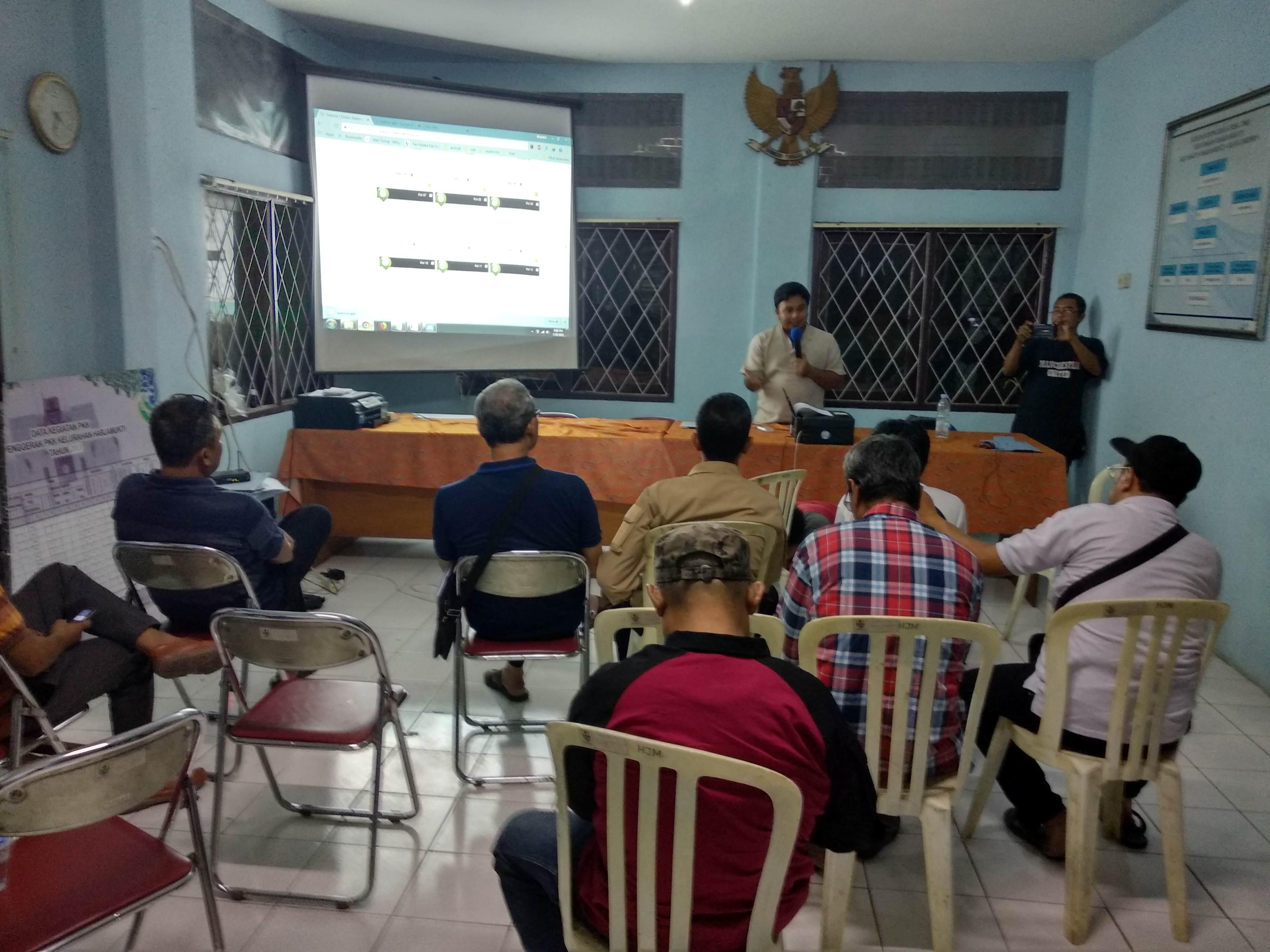 Pelatihan Pelayanan Berbasis Android Kelurahan Harjamukti Kecamatan Harjamukti Kota Cirebon