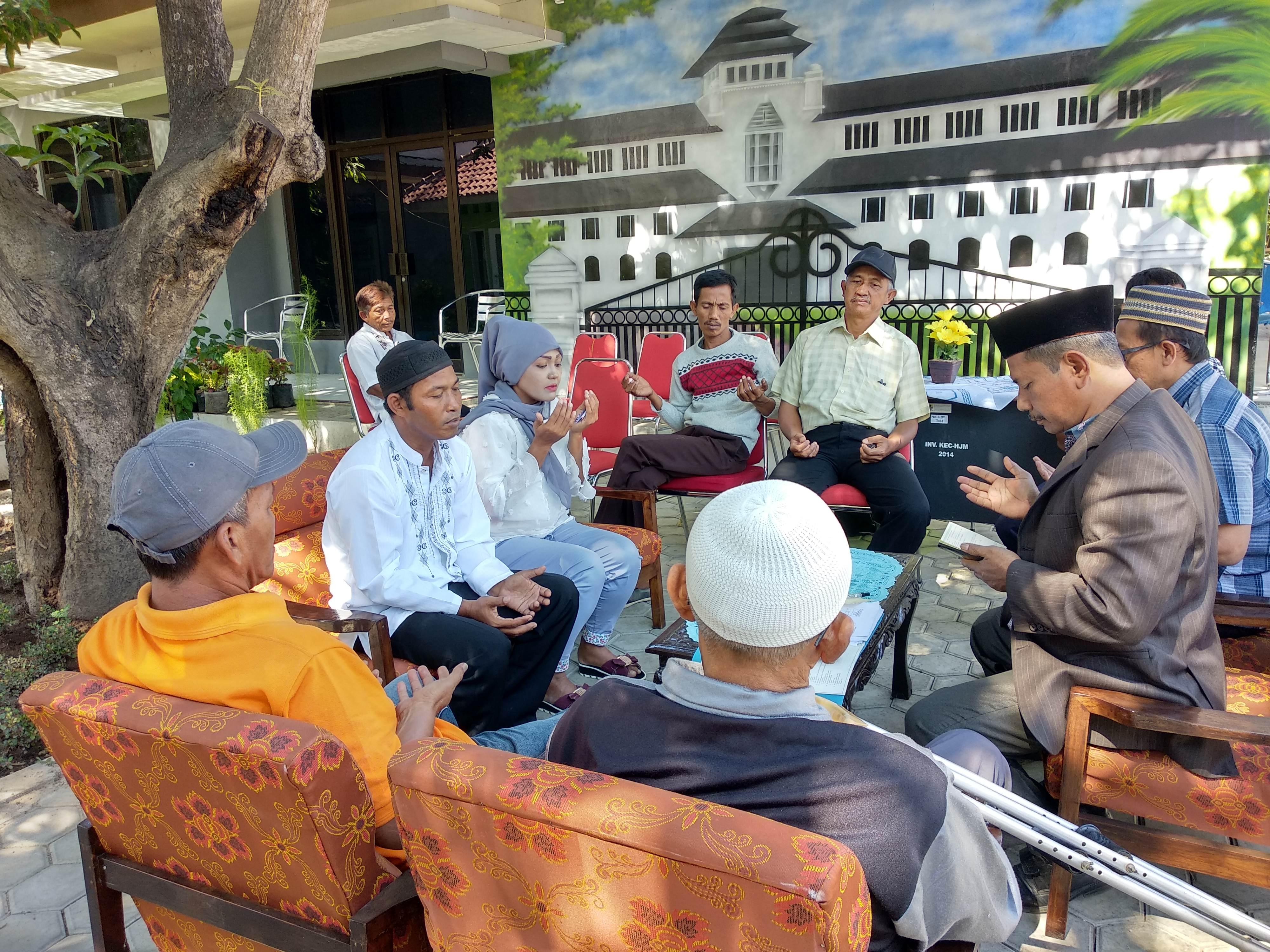Acara berdoa setelah prosesi ijab qabul