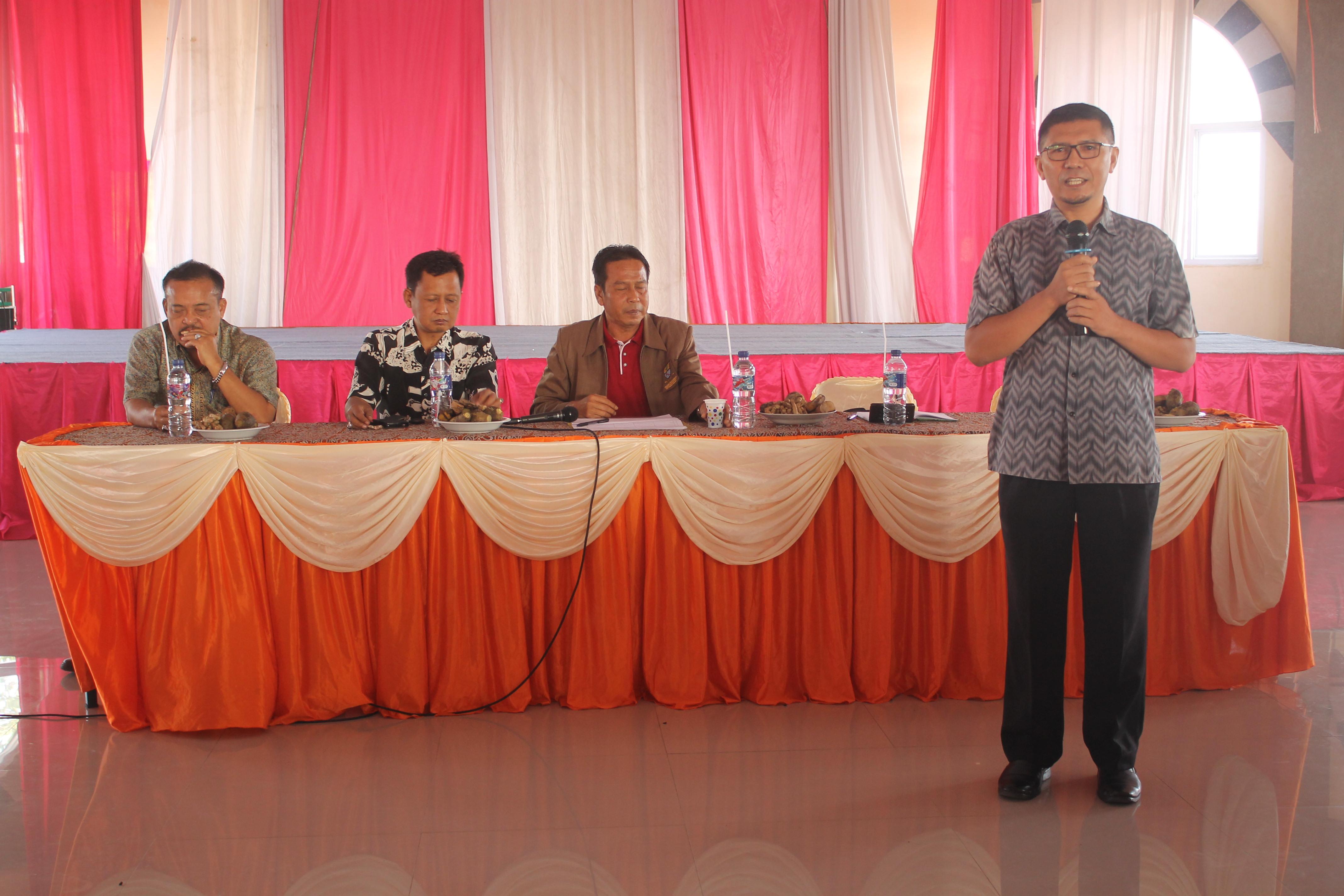 Pemaparan oleh pemateri tentang bahaya Narkoba dan HIV AIDS Untuk Masyarakat Kecamatan Harjamukti