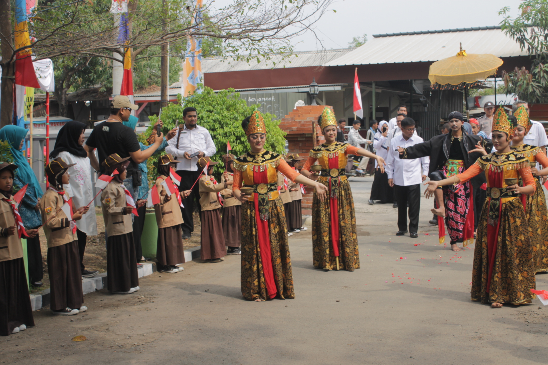 Menyambut Tim Tingkat Jawa Barat
