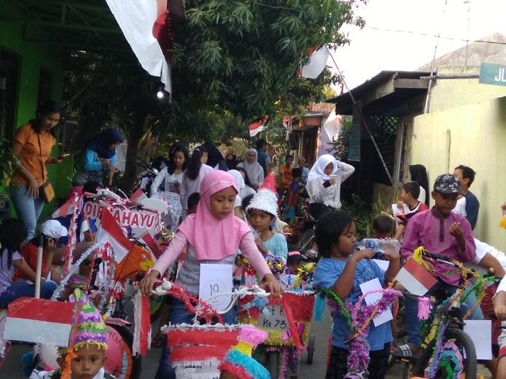 sepeda hias di Rw 04 Giri  Asih