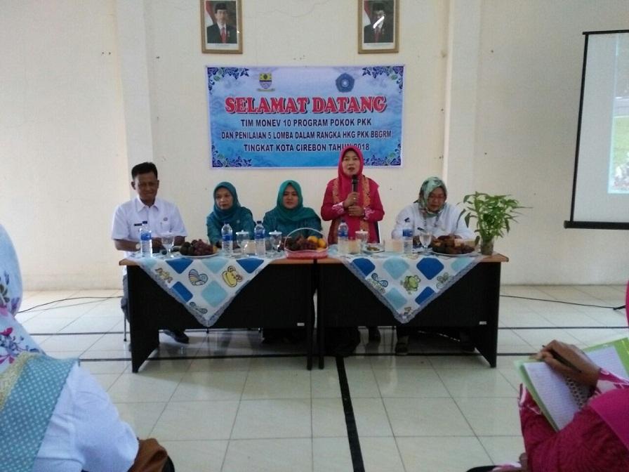 sambutan ketua Tim Penilai Ny.Tien Edi Mediana