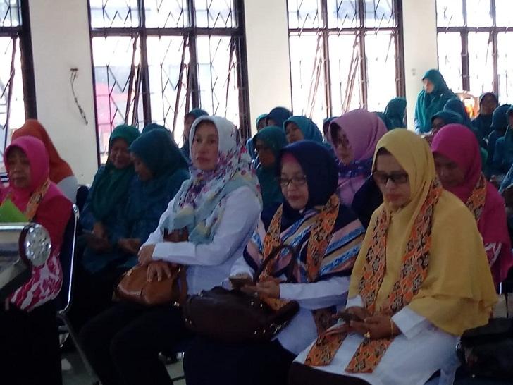 Tim Penilai dan undangan lomba 10 program Pokok PKK Tingkat Kota Cirebon