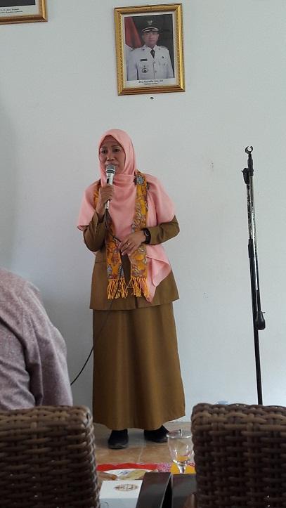 Ketua Tim Penilai dr. Hj. SRI LAELAN ERWANI, MM selaku.Kepala Bidang Yankes Dinas Kesehatan Kota Cirebon