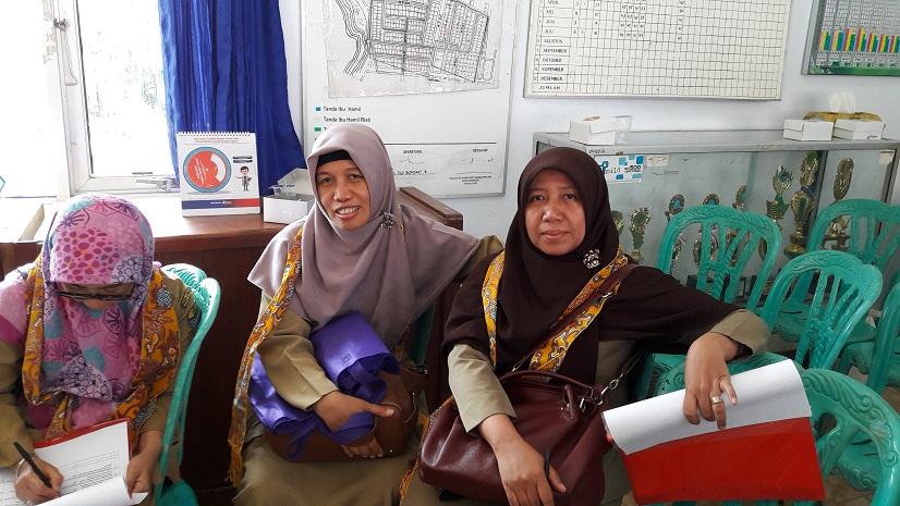 Tim penilai Lomba Kampung Siaga Aktif dari DSPPPA Aan Siti Hasanah