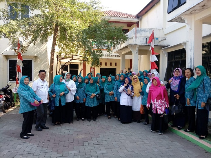 Penerimaan Tim Penilai Lomba 10 program pokok PKK Tingkat Kota Cirebon