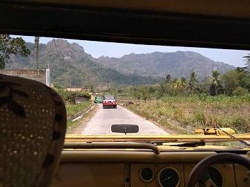 Perjalanan menuju destinasi wisata