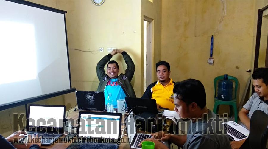 Admin Se-Kecamatan Harjamukti Hadiri Evaluasi Terkait Aplikasi Pelayanan (SEDULUR) di Kantor Orbit