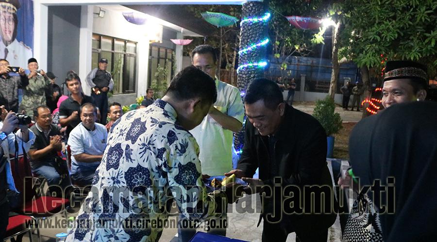 Peresmian Air Mancur Cita-Cita dan Memperingati Hari Jadi Kota Cirebon, Kecamatan Harjamukti Menggelar Pentas Seni dan Budaya