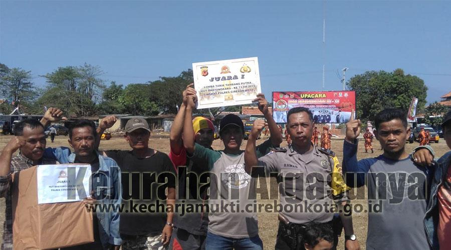 Warga Argasunya Juara I Tarik Tambang HUT Bhayangkara ke-73