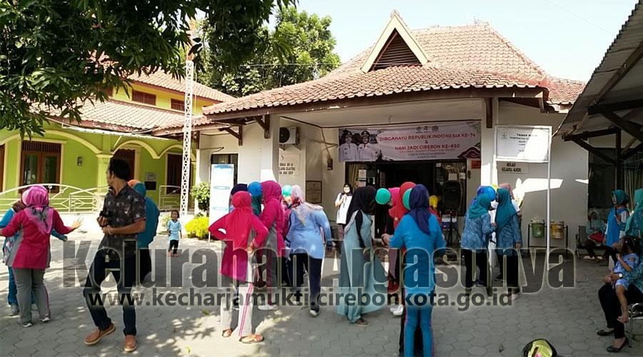 Memeriahkan HUT RI Ke-74 Dan Hari Jadi Kota Cirebon ke 650, TP-PKK Kelurahan Argasunya Adakan Lomba