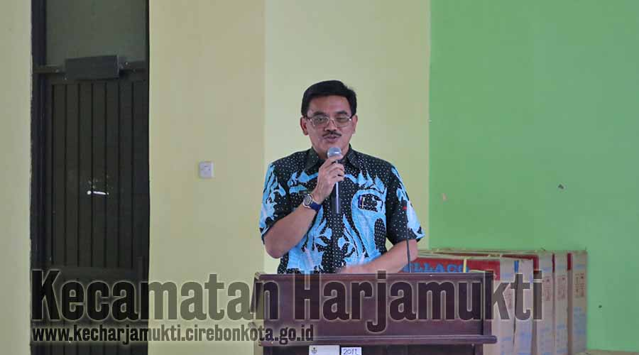Kepala DSPPPA Kota Cirebon, Iing Daiman, S.Ip., M.Si