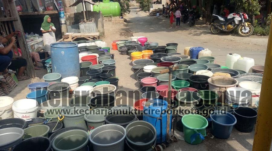 Masih Sulit Mendapatkan Air Bersih, Lurah Argasunya Intens Mengakomodir Bantuan Air