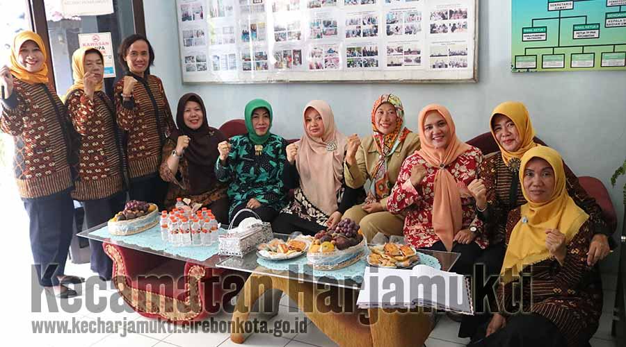 Kunjungan Tim Lomba Sekolah Sehat Tingkat Provinsi Jawa Barat dalam Penilaian SMPN 7 Kota Cirebon