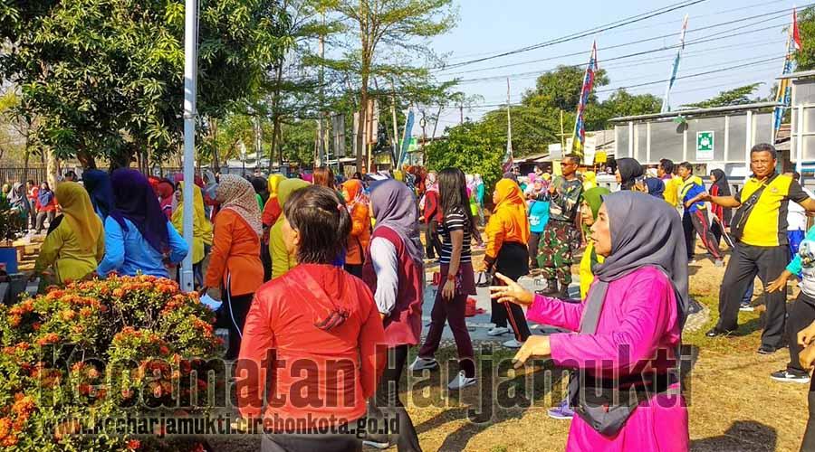 Senam Bersama Kecamatan Harjamukti
