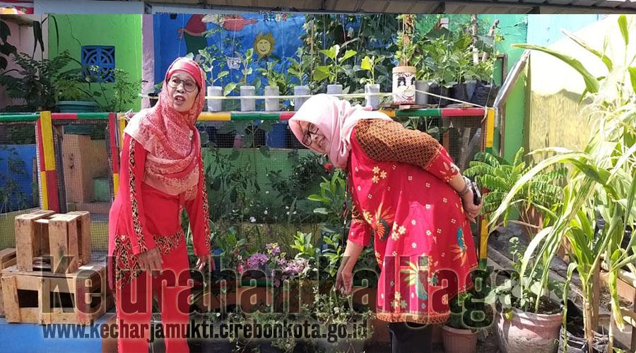 Tim Monev Dari Kementrian Pendidikan Dan Unswagati Cirebon Kunjungi RW. 012 Bumi Kalijaga Permai Timur Kelurahan Kalijaga