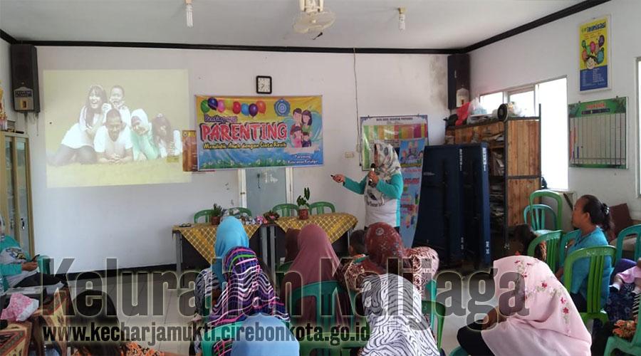 """Kegiatan Training Of Trainer ( TOT ) Parenting Di RW. 003 Kalijaga """" Mendidik Anak Dengan Cinta Kasih """""""