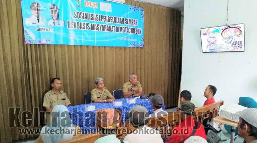 Sosialisasi Pengelolaan Sampah Berbasis Masyarakat dari DLH Kota Cirebon