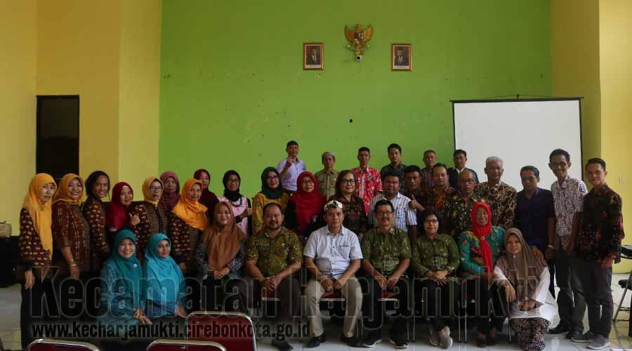 Foto Bersama, Kecamatan Harjamutki dan Purwokerto Utara