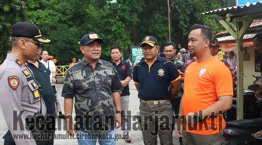 Wali Kota Cirebon memberikan arahan langsung untuk Camat dan SKPD Terkait