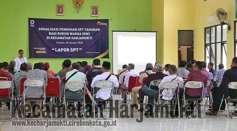 KPP Pratama Cirebon Satu Gelar Sosialisasi Pengisian SPT Tahunan Bagi RW se-Kecamatan Harjamukti