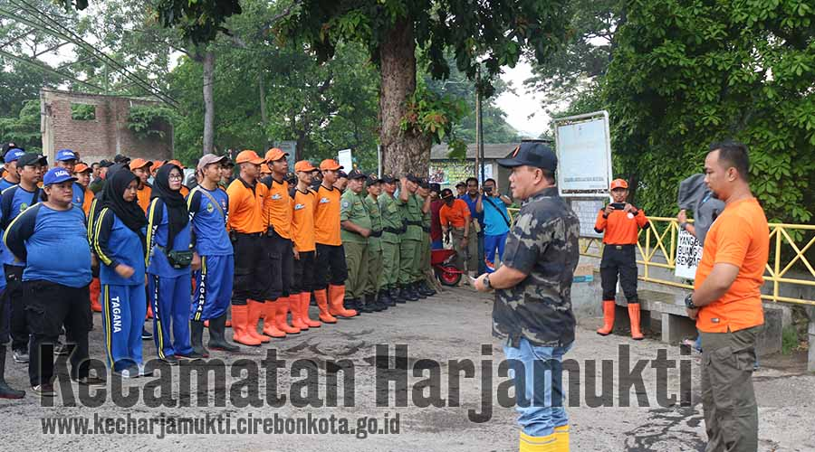 Kecamatan Harjamukti Gelar Kerja Bakti di Daerah Rawan Banjir Bersama Wali Kota dan SKPD Terkait