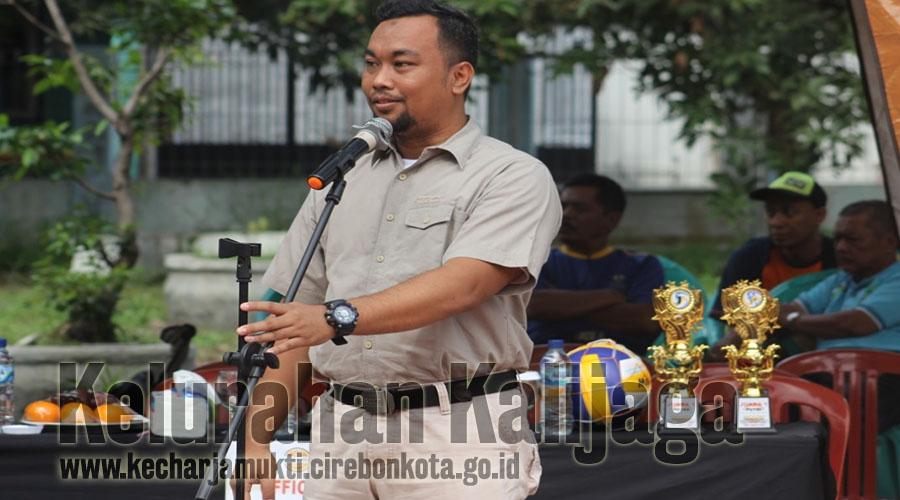 Camat Harjamukti Buka Turnamen Bola Volly Antar RT Sewilayah RW. 013 Taman Kalijaga Permai