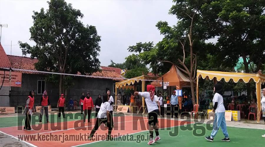 Pembukaan Turnamen Bola Volly Antar RT Sewilayah RW. 013 Taman Kalijaga Permai Kelurahan Kalijaga