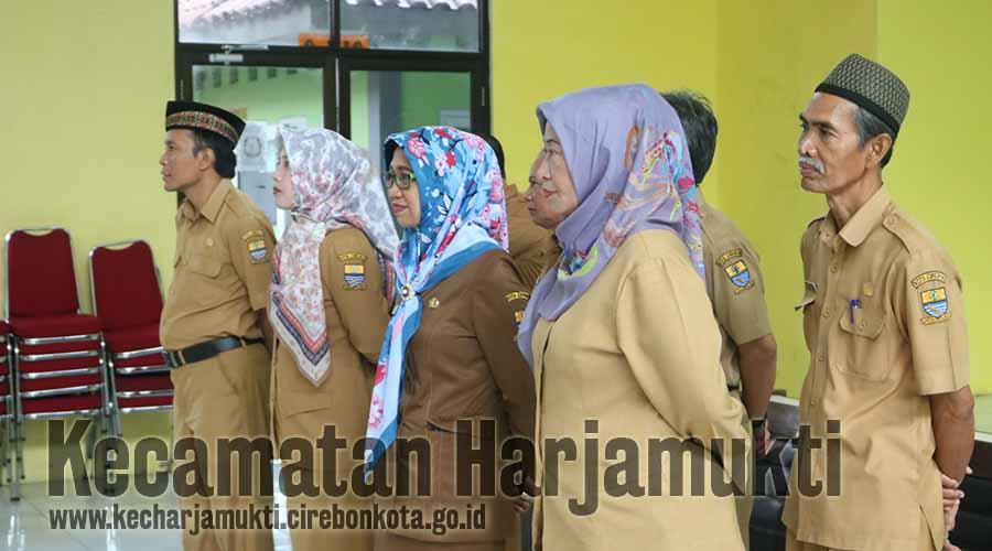 Sekretaris Kecamatan, Kasi dan Lurah se-Kecamatan Harjamukti