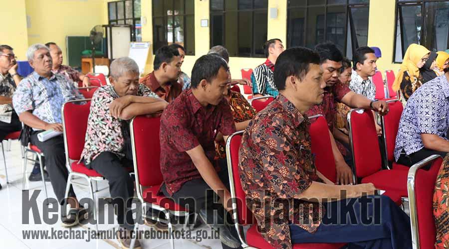 Siraman Rohani Pagi Kecamatan Harjamukti, Tingkatkan Iman dan Taqwa Pegawai se-Kecamatan