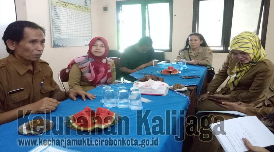 Lurah Kalijaga Terima Kunjungan Tim Monev Dari DP3AKB Provinsi Jawa Barat